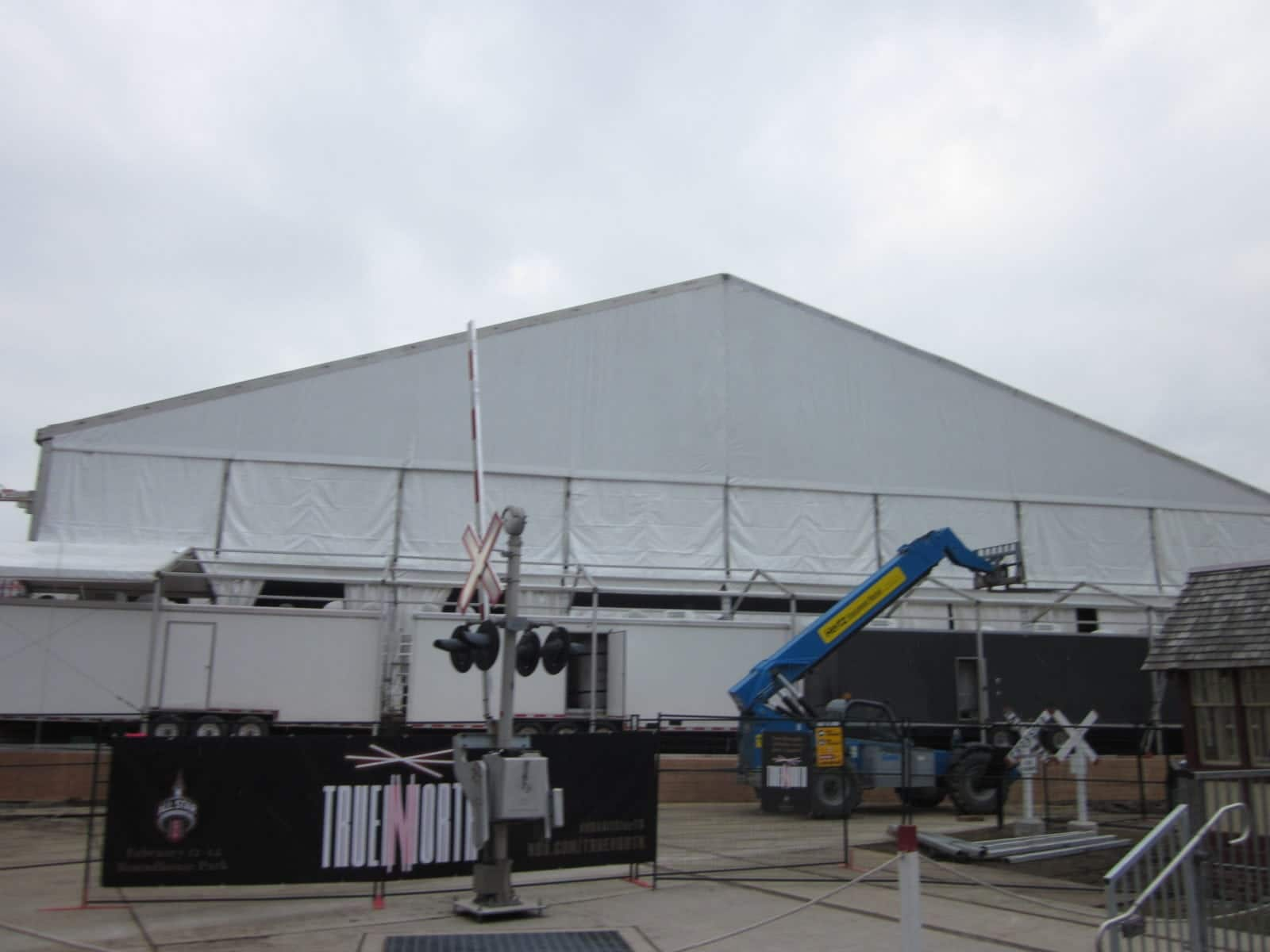 Regal Tent is the only supplier of a double decker tent in Canada and as you can see from the photos below it truly adds a whole new level of luxury to ... & NBA All-Star Weekend Tent - Regal Tent Productions